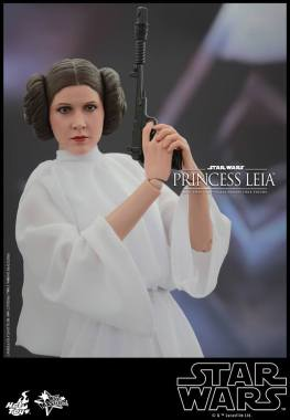 Hot Toys Star Wars Princess Leia - gun raised