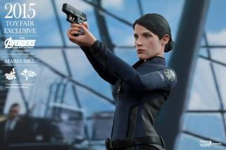 Maria Hill Avengers Age of Ultron Hot Toys figure -aiming