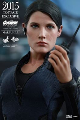 Maria Hill Avengers Age of Ultron Hot Toys figure -holding walkie talkie