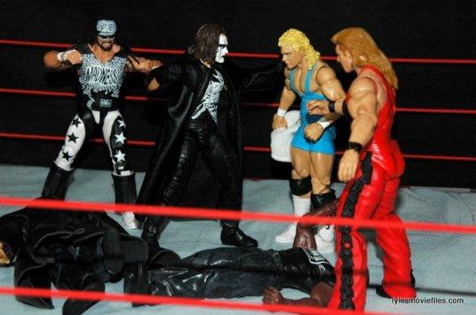 Sting figure WWE Mattel Defining Moments - fighting off nWo