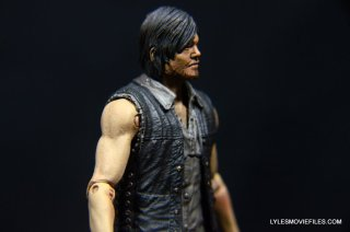 Daryl Dixon Walking Dead deluxe figure -right side closeup