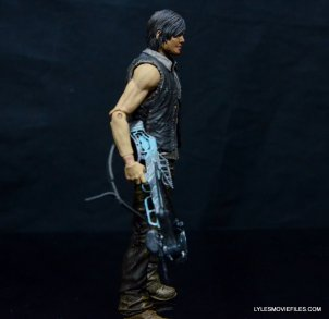 Daryl Dixon Walking Dead deluxe figure -right side detail with crossbow