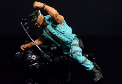 GI Joe Gung-Ho vs Cobra Shadow Guard -knife vs sword fight