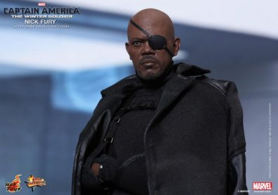 Hot Toys Captain America Winter Solider Nick Fury figure -tight shot