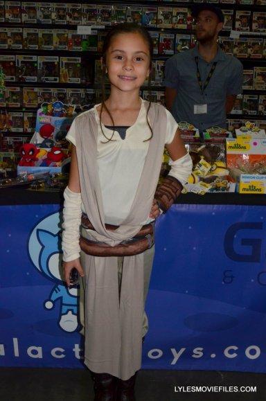 Baltimore Comic Con 2015 cosplay - Star Wars Force Awakens Rey
