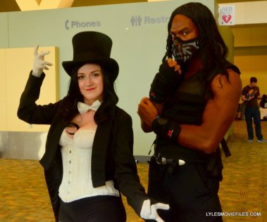 Baltimore Comic Con 2015 cosplay -Zatanna and Roman Reigns2