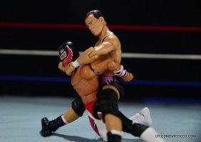 Dean Malenko WWE Elite 37 - chin lock on Rey Mysterio