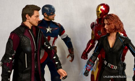Hawkeye Hot Toys Avengers Age of Ultron - Civil War with Captain America vs Iron Man and Black Widow