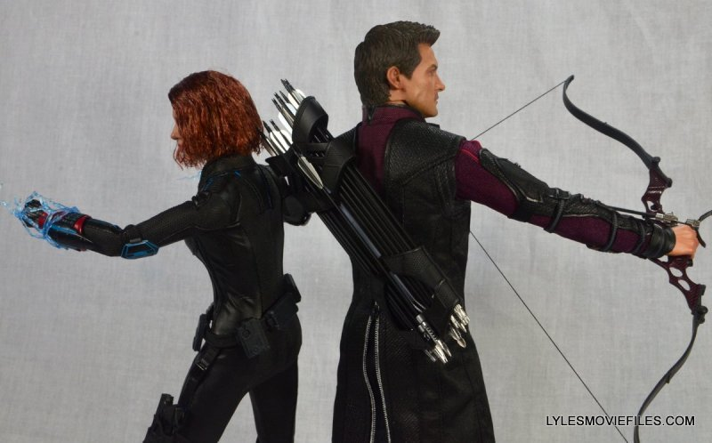Hawkeye Hot Toys Avengers Age of Ultron - with Black Widow