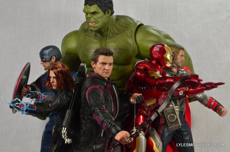 Hawkeye Hot Toys Avengers Age of Ultron - with The Avengers