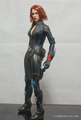 Hot Toys Avengers Age of Ultron Black Widow - left detail