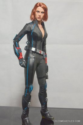 Hot Toys Avengers Age of Ultron Black Widow - right side