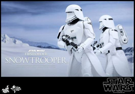 Hot Toys Star Wars Force Attacks - First Order Snowtrooper -pair walking