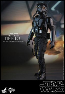 Hot Toys Star Wars Force Awakens Tie Pilot -looking up