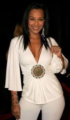 LisaRaye-McCoy- white outfit
