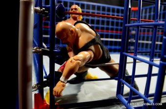Wicked Cool Toys authentic classic cage -King Kong Bundy tries to escape