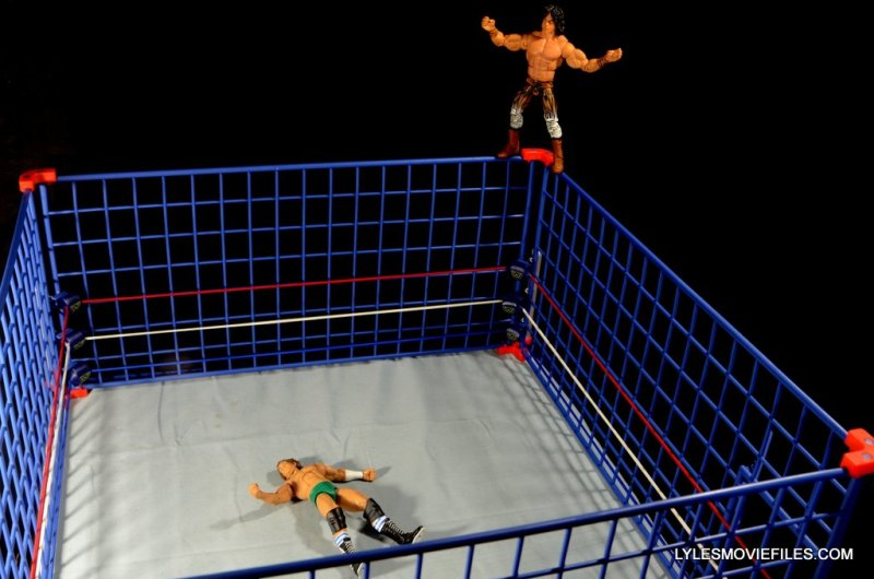 Wicked Cool Toys authentic classic cage -Superfly set to fly