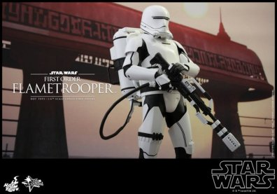 Hot Toys Star Wars Force Awakens First Order Flametrooper -ready