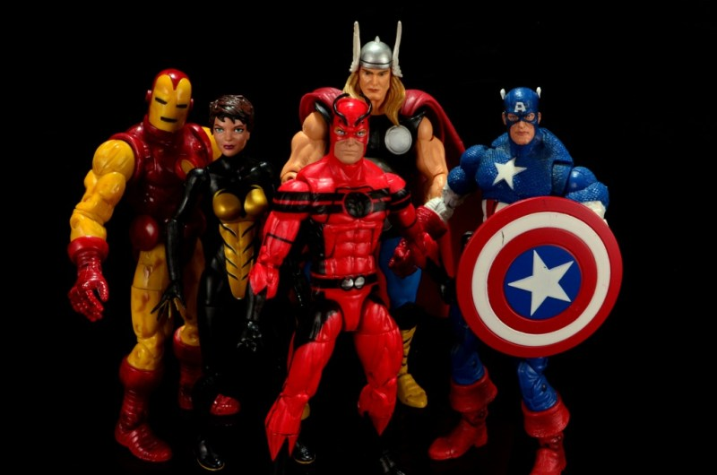 Marvel Legends Giant Man figure review -Avengers Iron Man, Wasp, Thor, Giant Man and Captain America