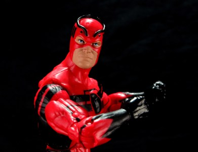 Marvel Legends Giant Man figure review -battle pose