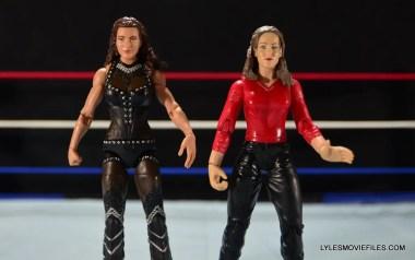 Mattel WWE Elite 37 Stephanie McMahon -compare with Jakks Stephanie