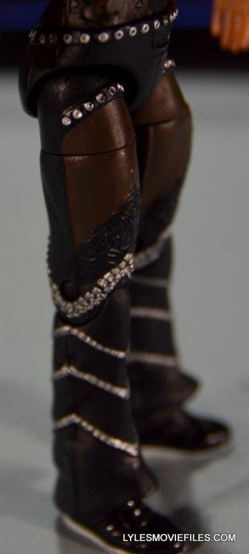Mattel WWE Elite 37 Stephanie McMahon -leg detail