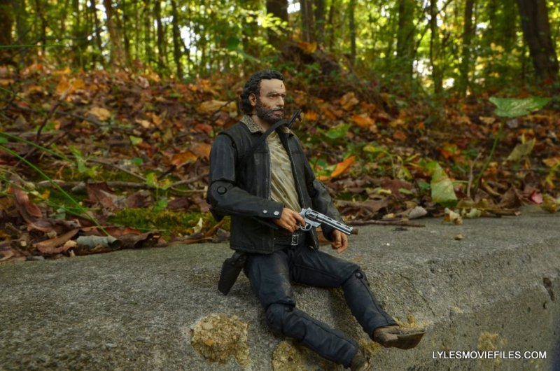 McFarlane Toys Walking Dead Rick Grimes Series 8 -sitting