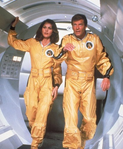 Moonraker - Holly Goodhead and James Bond in space