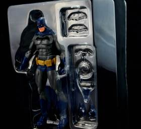 batman-icons-action-figure-last-rites-dcc-in tray with accesories