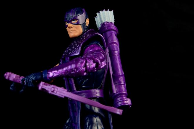 hawkeye-marvel-legends-figure-review -left side with bow