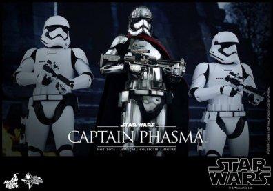 Hot Toys Force Awakens Capt Phasma - leading troops