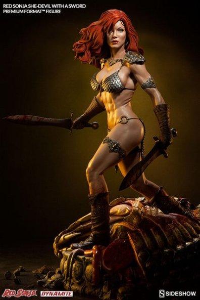 Red Sonja - She Devil with a Sword premium format -dark base shot