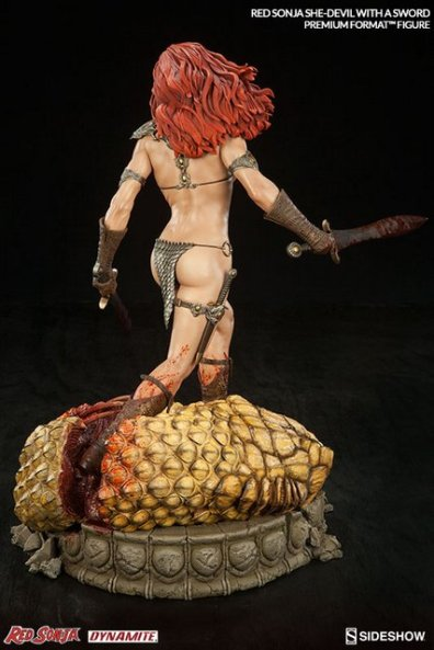 Red Sonja - She Devil with a Sword premium format - rear shot
