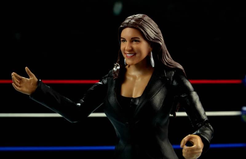 WWE Basic Stephanie McMahon - left side