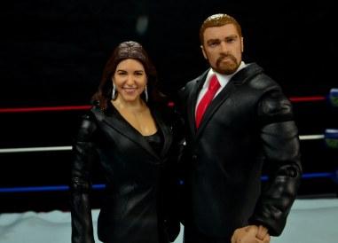 WWE Basic Stephanie McMahon - The Authority