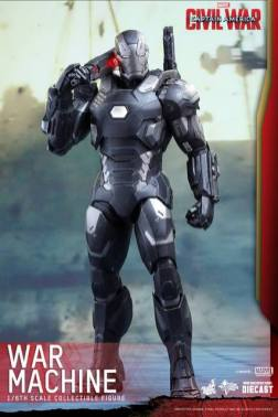 Captain America Civil War - War Machine -straight shot