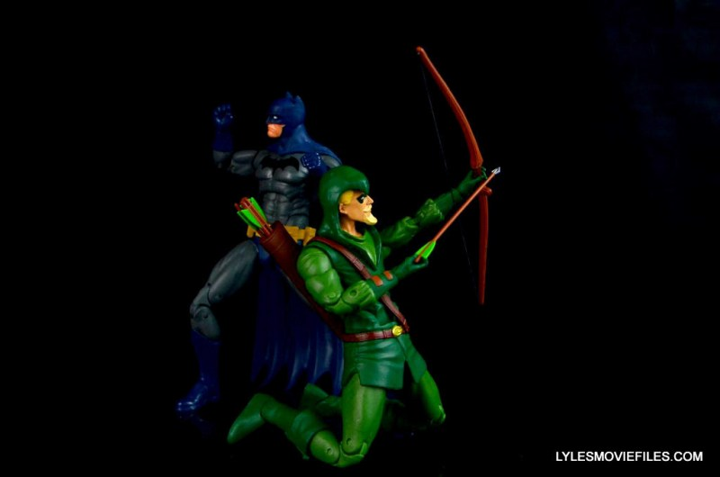 dc-icons-green-arrow-longbow-hunters-figure-review-fighting-back-with-batman