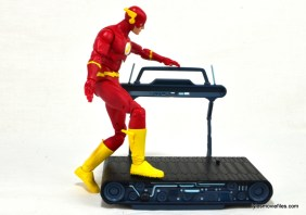 DC Icons The Flash figure review -stepping on treadmill