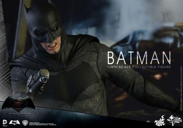 hot-toys-batman-v-superman-batman-grenade-launcher-closeup
