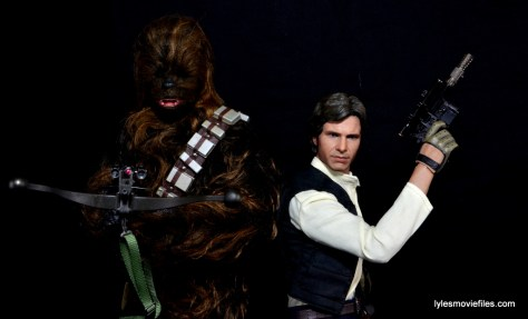 Hot Toys Han Solo and Chewbacca review -side to side