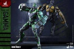 iron-man-gamma-armor-hot-toys-figure-back-to-back