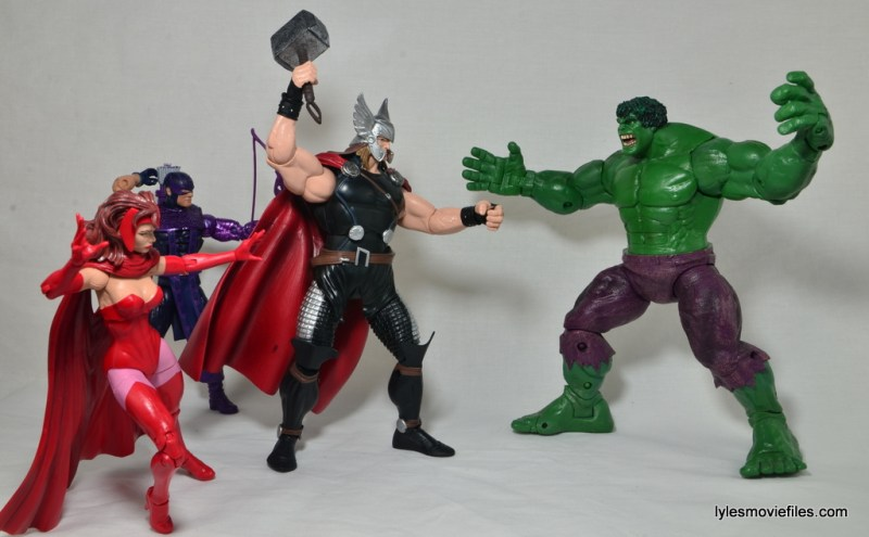 Marvel Legends Thor figure review -battling Hulk with Hawkeye and Scarlet Witch