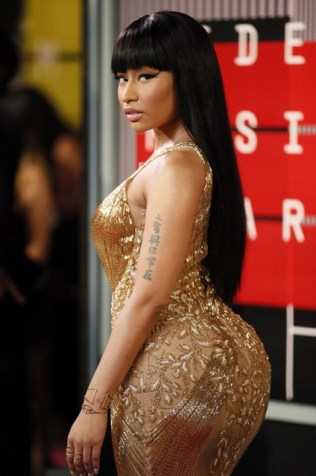 Nicki Minaj arrives at the 2015 MTV Video Music Awards in Los Angeles