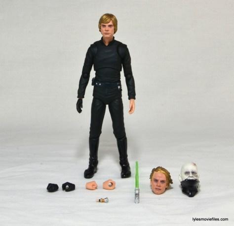 SH Figuarts Luke Skywalker figure review - Luke Skywalker with accessories