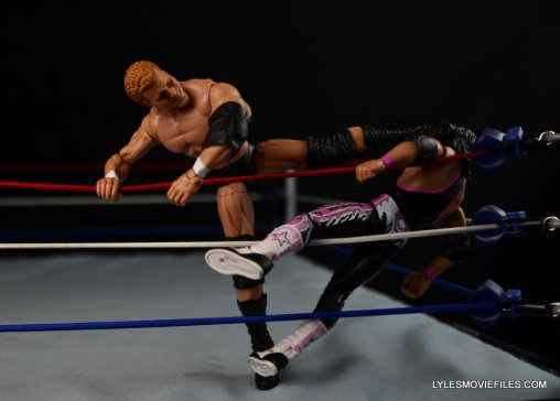 sycho-sid-wwe-elite-39-figure-review-choking-out-bret-hart