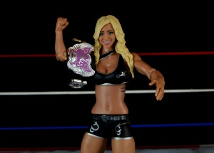 wwe-charlotte-figure-review-holding-divas-title