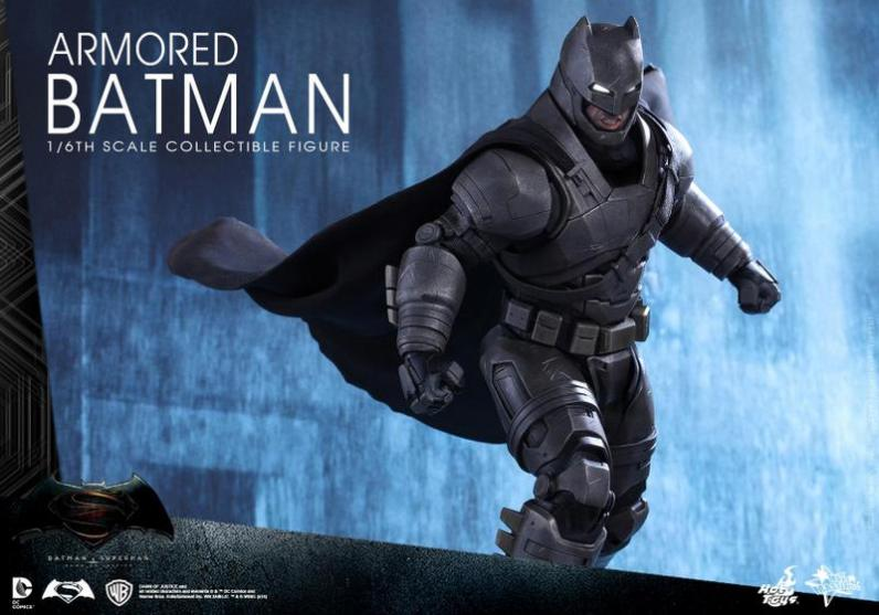Hot Toys Batman v Superman Armored Batman -on the move