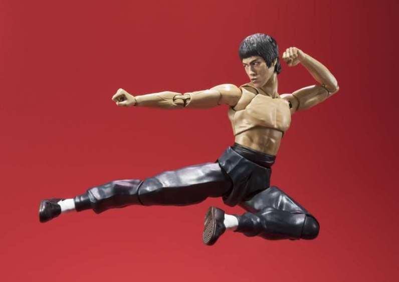 SH Figuarts Bruce Lee -flying kick