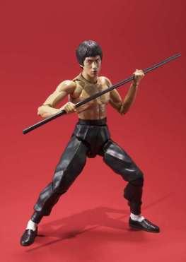 SH Figuarts Bruce Lee -holding bo staff