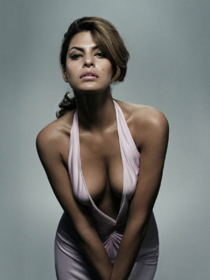 eva-mendes-bending-over